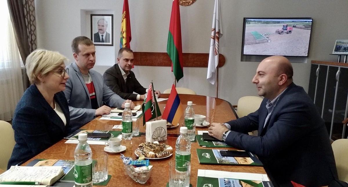 «Бобруйскагромаш» посетила делегация из Республики Армения